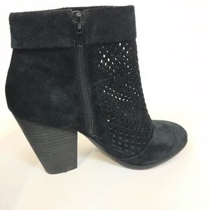 SOLE SOCIETY SIDNEY BOOTIE BLACK 6.5